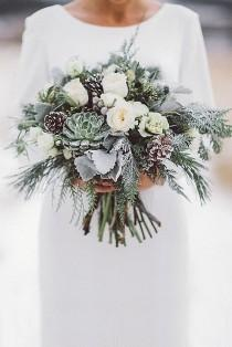 wedding photo - 36 Stunning Winter Wedding Bouquets