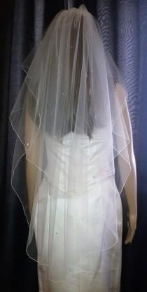 "wedding photo - Ivory wedding veil 30"" / 42""  with Swarovski Crystals. Fingertip length pencil edged. Full circle veil.  2 tier. FREE UK POSTAGE"