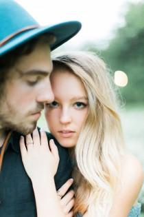wedding photo - Surprise Proposal And Romantic Engagement Session In New York City