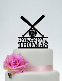 wedding photo - Baseball Cake Topper, Wedding Cake Topper,Mr and Mrs Cake Topper, Baseball Fan Couple, Baseball Theme Wedding, Custom Cake Topper C204