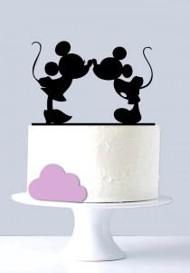 wedding photo - Mickey & Minnie Kissing Cake Topper A1064