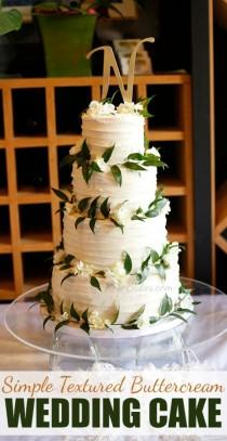 wedding photo - Textured Wedding Cake With Ruscus & Hydrangea