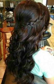 wedding photo - 23 Stylish Hairstyles For Brunettes