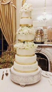wedding photo - Six Tiered Wedding Cake