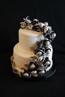 wedding photo - Harley Themed Wedding Cake