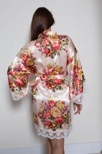 wedding photo - Set of 6 Bridesmaid Robes / Robe / Bridal Robe  / Bridal Party Robes / Bridesmaid Gifs / Satin Floral Robe / Lace Robe / Kimono Robe