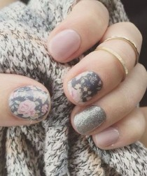 wedding photo - Intricate Silver Glitter Nail Art Designs For Prom