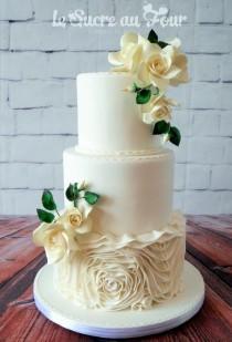 wedding photo - White Affair -wedding Cakes
