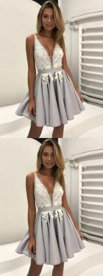 wedding photo - A-Line Off-the-Shoulder Short Ivory Tulle Homecoming Dress With Appliques Bowknot