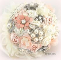 wedding photo - Blush Brooch Bouquet, Cream, Silver, Ivory, Vintage Wedding, Gatsby Wedding, Elegant Wedding, Bridal, Jeweled, Lace Bouquet, Fabric