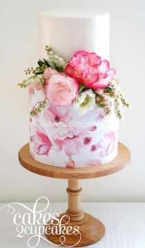 wedding photo - Cake With Pink Flowers