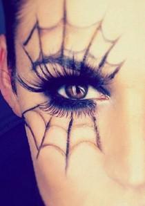 wedding photo - Spider Web Eye Makeup