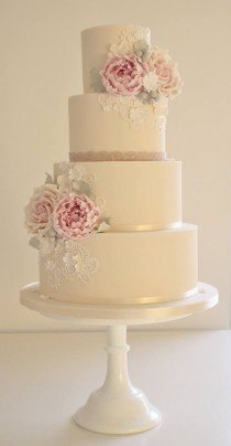 wedding photo - Off White Floral Cake