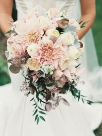 wedding photo - Wedding Ideas: How To Create Loose, Airy Wedding Bouquets
