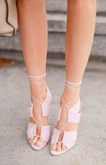wedding photo - Editors' Picks: 23 Fabulous Wedding Shoes