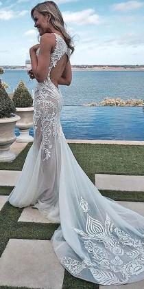 wedding photo - 36 Totally Unique Fashion Forward Wedding Dresses
