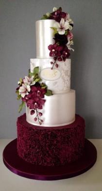 wedding photo - Satin Floral Cake