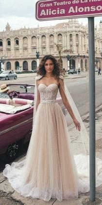 wedding photo - Hottest 21 Wedding Dresses Fall 2018