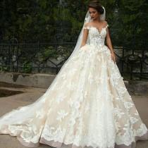 wedding photo - Beautiful Princess Spaghetti Straps Bride Wedding Dress Line With Appliques Gown