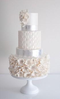 wedding photo - Quatrefoil Wedding Cake