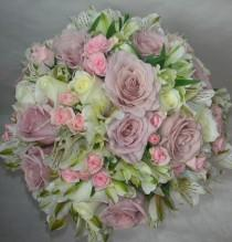 wedding photo - Wedding Flowers By Natalina ~ Wedding Flower & Bouquet Designs