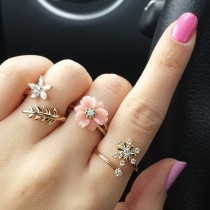 wedding photo - Trend To Try: Midi Rings