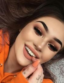wedding photo - Orange Toned Makeup