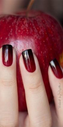 wedding photo - Red Ombre Nails