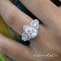 wedding photo - Pear │ Cut Engagement Rings