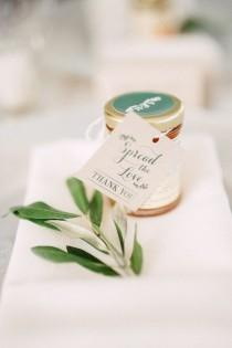 wedding photo - Wedding Favours 101: Expert Tips For Giving The Best Gifts