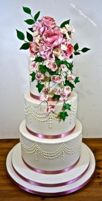 wedding photo - Pink Floral Cake