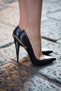 wedding photo - Gorgeous Heels & Gorgeous Women
