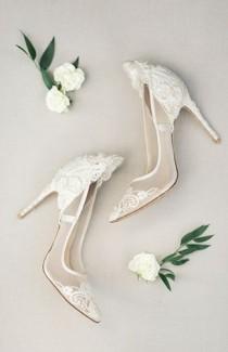 wedding photo - Chic Black And White Wedding With Lush Greenery