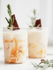 wedding photo - Salted Caramel White Russians. (Kate La Vie)