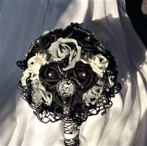 wedding photo - Gothic Steampunk Skull Wedding Flower Bouquet Skull Flowers Black/Grey/White- Day of the Dead Wedding Flowers Bride's Bouquet-Gothic Fantasy