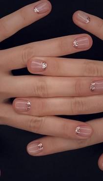 wedding photo - Glittery Nail Art