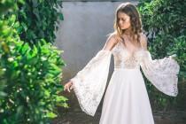 wedding photo - Bohemian Wedding Dress, Boho Wedding Dress, Long Sleeve Boho Wedding Dress, Backless Boho Wedding Dress