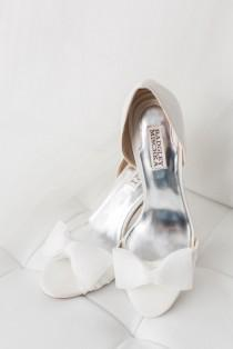 wedding photo - Luxurious White And Blue Winter Wonderland Wedding Inspiration Shoot