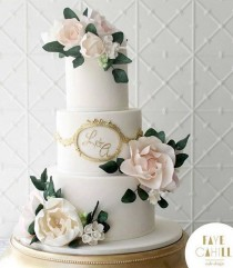 wedding photo - Initial Wedding Cake