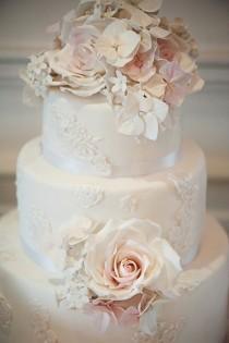 wedding photo - White Rose Cake