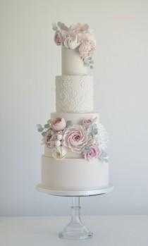 wedding photo - Tall Wedding Cake