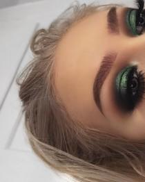 wedding photo - Green Smokey Eye