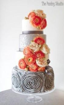 wedding photo - The Pastry Studio Wedding Cake Inspiration