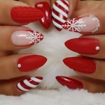 wedding photo - Christmas Nail Art