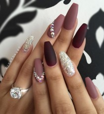 wedding photo - 50 Rhinestone Nail Art Ideas