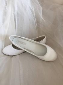wedding photo - S A L E  Simple Ballet Flat - Wedding Shoes - Wedding Ballet Shoe - Wedding Flats - Ivory -White Ballet Flats - Custom Wedding Shoe -  Flats