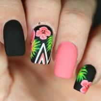 wedding photo - Hibiscus And Palm Tree Nails