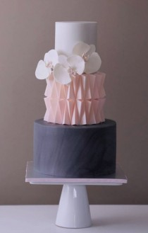 wedding photo - Wedding Cake Inspiration - Crummb