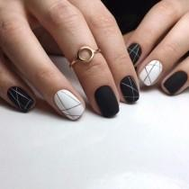 wedding photo - 30 Black Nail Designs That Are Anything But Goth