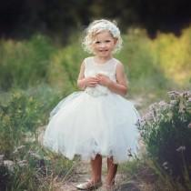 wedding photo - Flower Girl dress, lace flower girl dress,girls lace dress, baby white lace dress, tulle flower girl dress, birthday dress, first communion